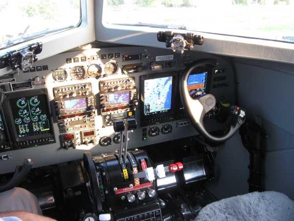 dc-3 turbo prop_cockpit.jpg